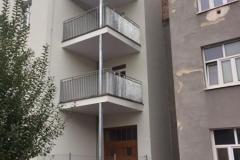 Brno-Dobrovského-balkony-dinal